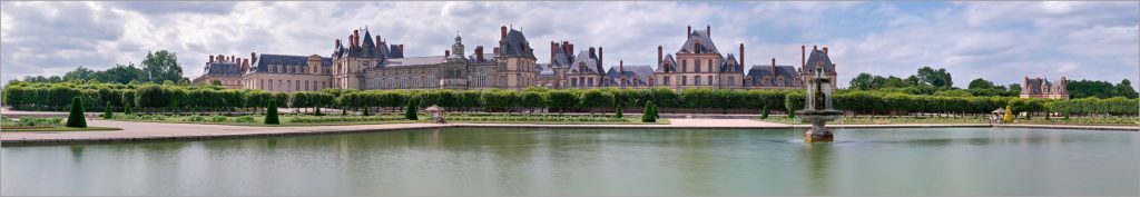 Chateau_fontainebleau_pano